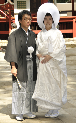 Nikko_Toshugu_Wedding Couple_01_April_2010