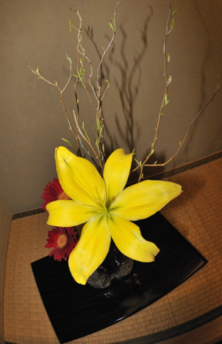 Matsomoto_Ryokan_Flower arrangement